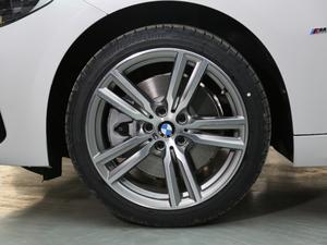 2019款120i 领先型M运动套装 轮胎