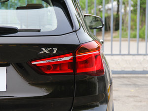 2016款xDrive25Li 豪华型 尾灯