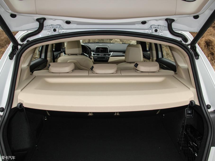 2016款宝马2系旅行车220i 领先型