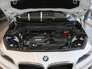 2016款218i 领先型 发动机