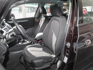 2016款218i 领先型 前排座椅