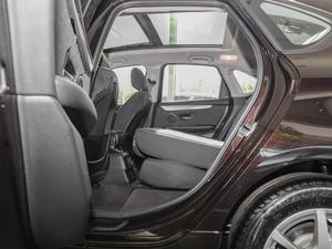 2016款218i 领先型 后排座椅放倒