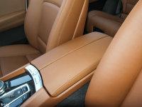 空间座椅宝马5系GT前排中央扶手