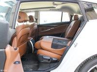 空间座椅宝马5系GT后排座椅放倒