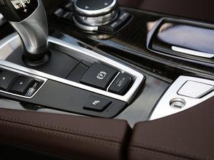 2017款528Li 豪华设计套装 驻车制动器