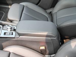 2017款118i 设计套装型 前排中央扶手