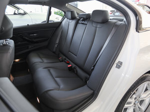 2017款320Li M运动型 后排座椅