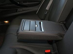 2017款320Li M运动型 后排中央扶手