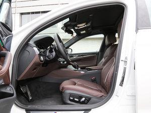 2018款530Li xDrive M运动套装 前排空间