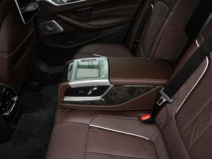 2018款530Li xDrive M运动套装 后排中央扶手