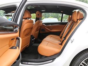 2018款530Li 领先型 M运动套装 后排空间