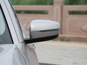 2018款530Li xDrive 豪华套装 后视镜