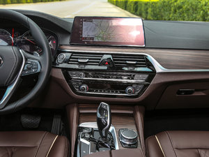 2018款530Li xDrive 豪华套装 中控台