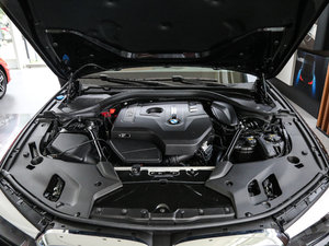 2018款528Li 上市特别版 发动机