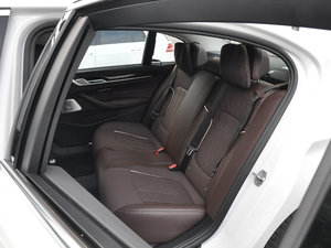 2018款540Li 行政型 后排座椅