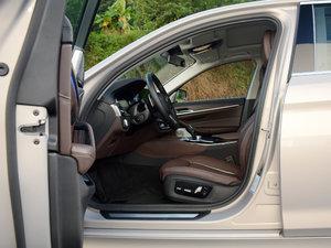 2018款530Li xDrive 豪华套装 前排空间