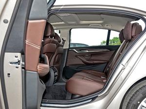 2018款530Li 领先型 豪华套装 后排空间