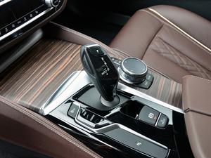2018款530Li 领先型 豪华套装 变速挡杆