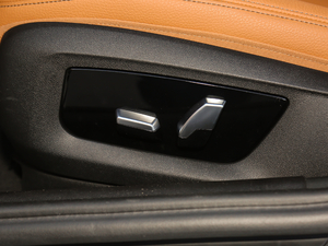 2018款改款 530Li 尊享型 M运动套装 座椅调节