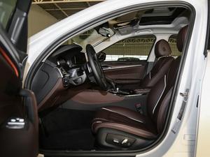 2018款改款 530Li 领先型 豪华套装 前排空间