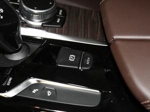 2018款改款 530Li 领先型 豪华套装 驻车制动器