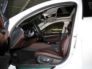 2018款改款 530Li 尊享型 豪华套装 前排空间