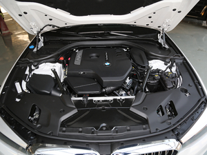 2018款改款 530Li 尊享型 豪华套装 发动机