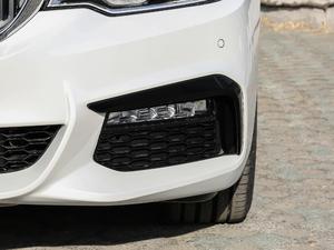 2018款改款 530Li 领先型 M运动套装 雾灯