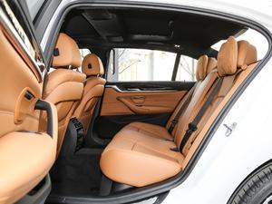 2018款改款 530Li 领先型 M运动套装 后排空间