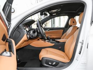 2018款改款 530Li 领先型 M运动套装 前排空间