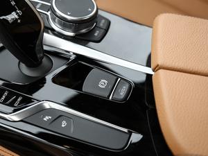 2018款改款 530Li 领先型 M运动套装 驻车制动器