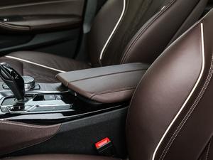 2018款改款 530Li xDrive 豪华套装 前排中央扶手