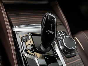 2018款改款 530Li xDrive 豪华套装 变速挡杆