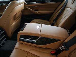 2018款530Li xDrive 豪华套装 后排中央扶手