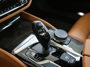 2018款530Li xDrive 豪华套装 变速挡杆