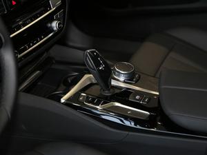 2018款改款 525Li M运动套装 变速挡杆