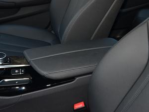 2018款改款 525Li M运动套装 前排中央扶手