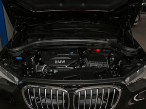 2018款sDrive 18Li 时尚型 发动机