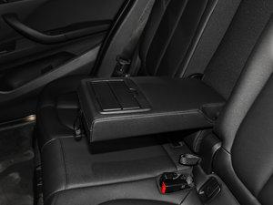 2018款sDrive 18Li 时尚型 后排中央扶手