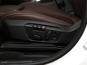 2018款xDrive 25Le 豪华型 座椅调节