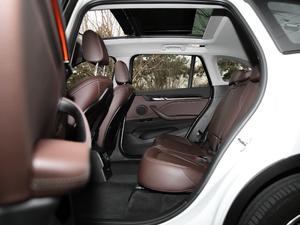 2018款xDrive 25Le 豪华型 后排空间