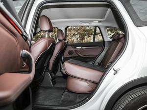 2018款xDrive 25Le 豪华型 后排座椅放倒