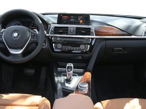 2018款330Li xDrive豪华套装 中控台