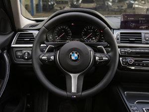 2018款320Li 领先型M运动套装 方向盘