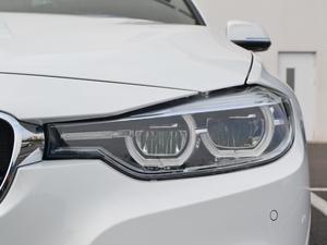 2018款320i M运动套装 头灯