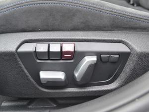 2018款320i M运动套装 座椅调节