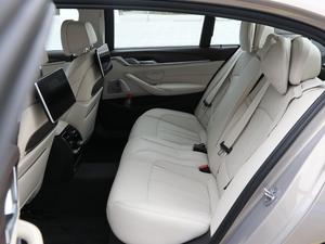 2018款530Le 基本型  后排空间