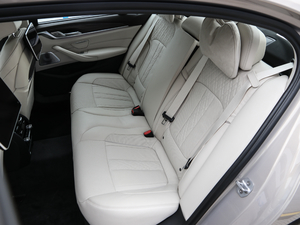 2018款530Le 豪华套装 后排座椅