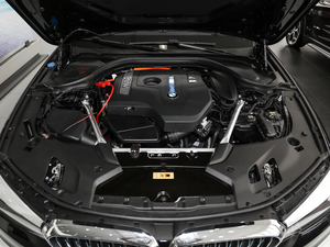 2018款530Le 豪华套装 发动机