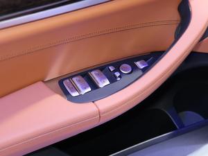 2018款xDrive 30i 尊享型M运动套装 中控区